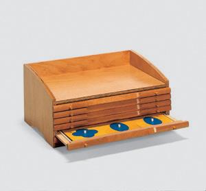 2426 geometrische kommode. Black Bedroom Furniture Sets. Home Design Ideas